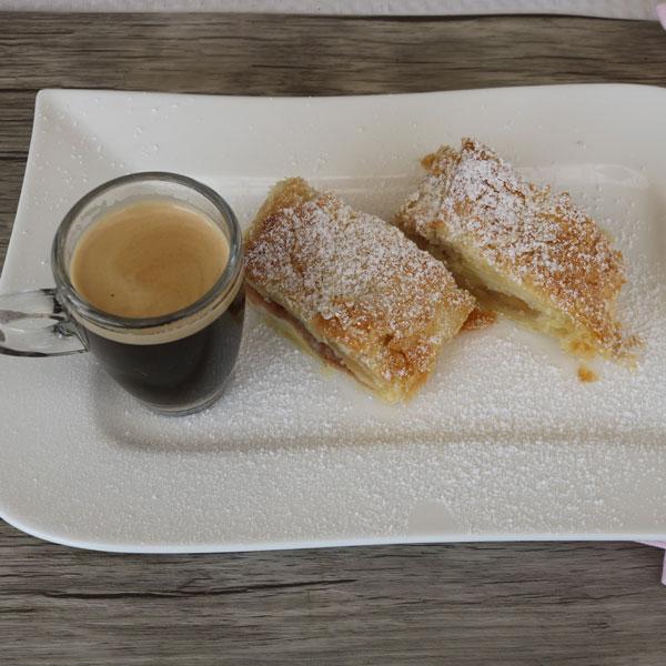 Apfelstrudel_shutterstock_small, Desserts fuer Thermomix, Mehlspeisen fuer Thermomix