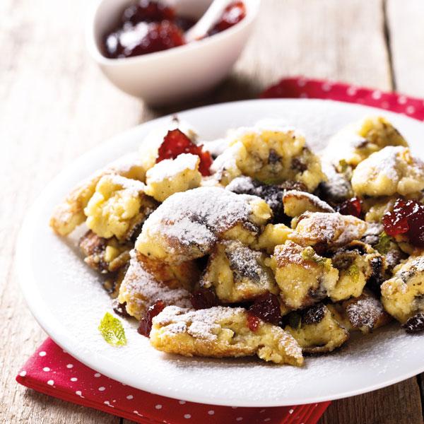 Kaiserschmarrn-mit-extra-viel-Protein_marysckin_shutterstock_small, Desserts fuer Thermomix, Mehlspeisen fuer Thermomix