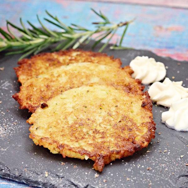Thermomix-Kartoffelpuffer_Lena-Kruglova-und-Anna-Matershev_small_Hauptgerichte für Thermomix_Kartoffeln im Thermomix